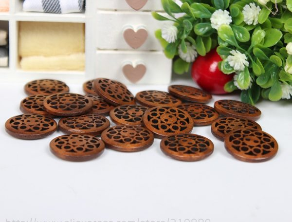 TIANXINYUE 30Pcs Wooden Buttons